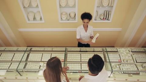 Mô tả nghề bán hàng trang sức