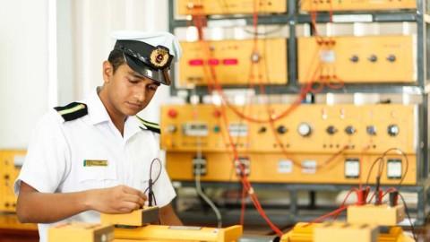 Mô tả Kỹ sư điện tự động tàu thủy